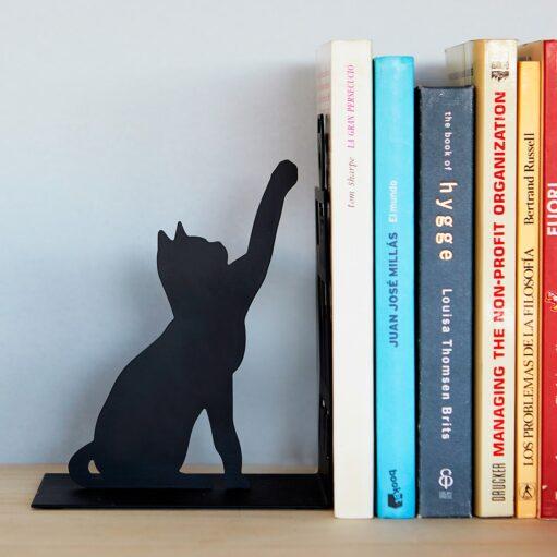 Vissende kat boekensteun