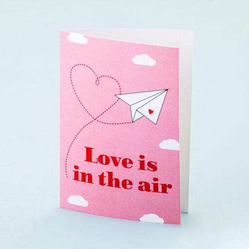 Wenskaart Love Is In The Air
