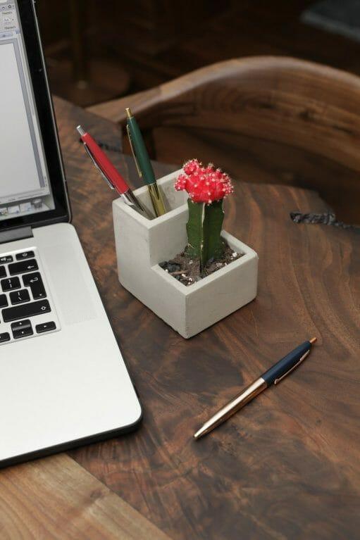 Concrete Desktop Planter klein